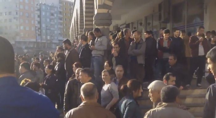 HDP'den 'savaş savaş savaş' sloganları