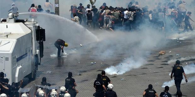 'Gezi'de TOMA kullanan iki polis yargılanıyor