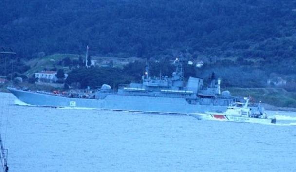 Boğaz'dan Rus savaş gemisi geçti
