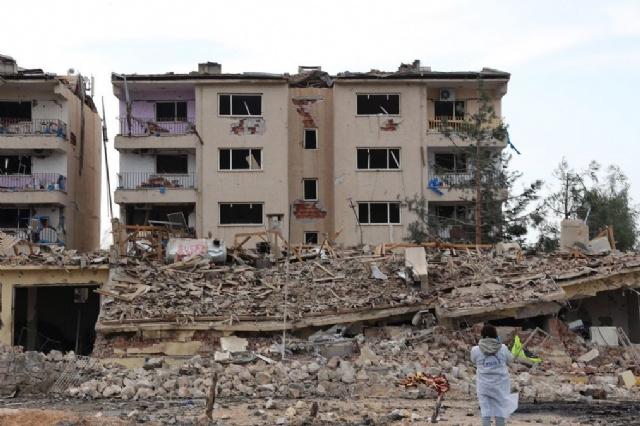 Nusaybin'de bomba yüklü araçla saldırı: 2 şehit, 35 yaralı