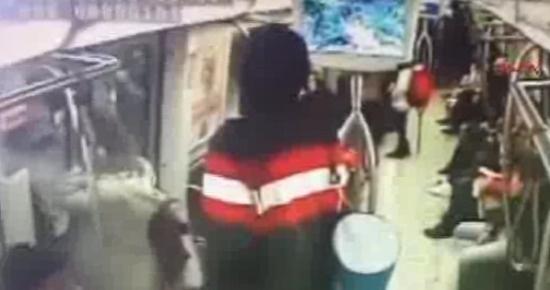 Metrodaki bomba şakası | VIDEO