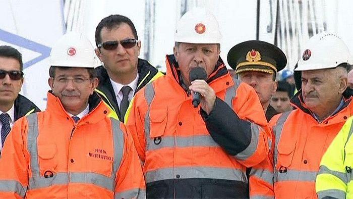 Köprü işçilerine 3 bin lira ikramiye