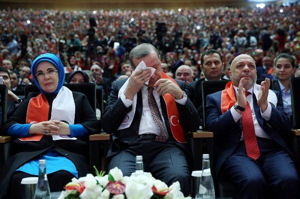 Erdoğan'ı ağlatan dua | VIDEO | FOTO