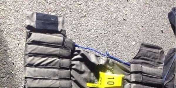 İki kişi canlı bomba yeleğiyle yakalandı