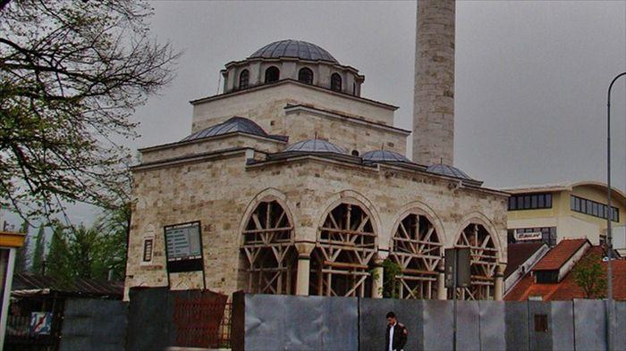 Sırpların bombaladığı cami açılıyor