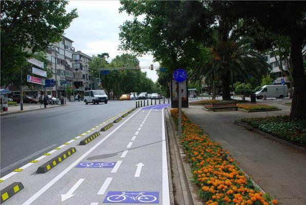İSPARK'tan yeni bisiklet yolları