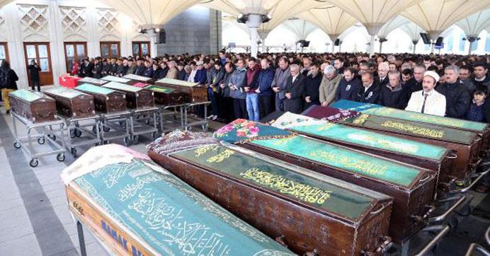 Ankara'da ölenlerden 34'ünün kimliği belirlendi
