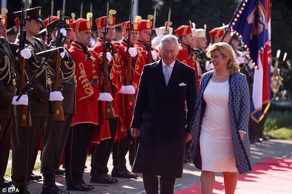 Prens Charles Balkan turuna çıktı