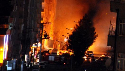 Diyarbakır Bağlar'da şiddetli çatışmalar: Bir şehit