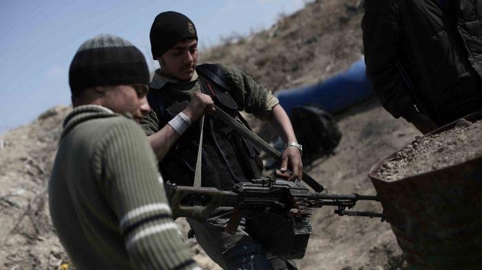 Ankara devrede, silahlı muhalifler birleşiyor