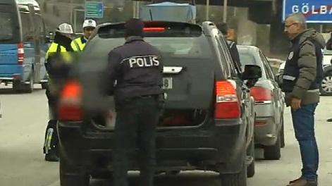 Ankara'da şüpheli araçlar didik didik aranıyor