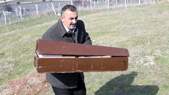 PKK'nın öldürdüğü doğmamış bebek defnedildi