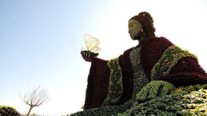 Bitki heykelleriyle tarih anlatımı