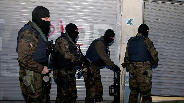 İzmir'de hücre evine operasyon