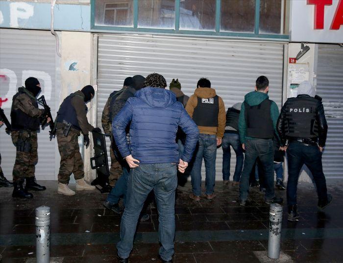 İstanbul'da polis helikopterli operasyon