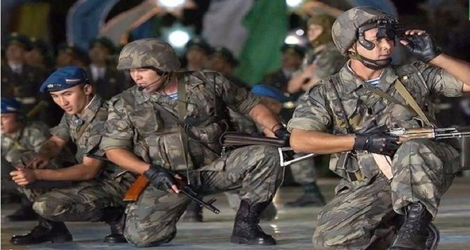 Özbekistan, Kırgızistan sınınırına asker yığdı