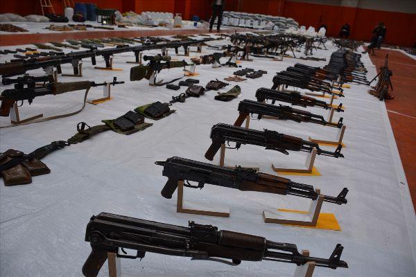 Bağlar'da ele geçirilen silahlar | FOTO