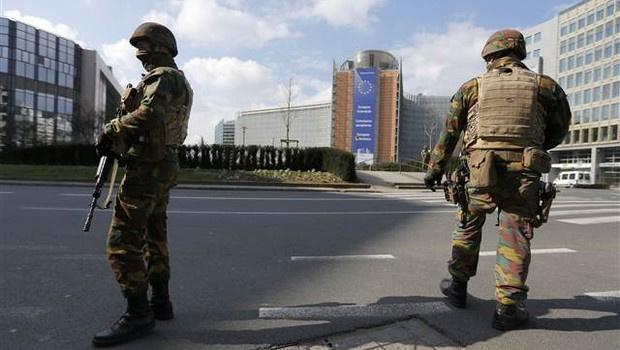 Brüksel'de Müslüman mahallerine operasyon