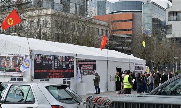 Belçika PKK çadırını kaldırdı