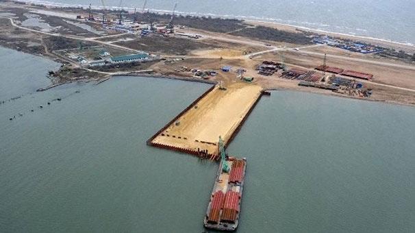 Rusya Türk gemisini bağladı