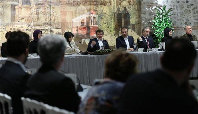 Başbakan kültür ve sanat dünyasıyla buluştu