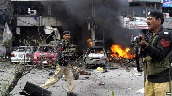 Lahor'daki saldırı sonrası operasyon başlatıldı