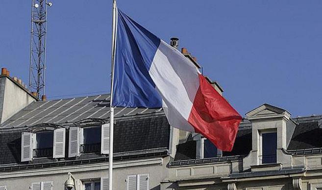 Fransız Bakandan skandal tesettür eleştirisi