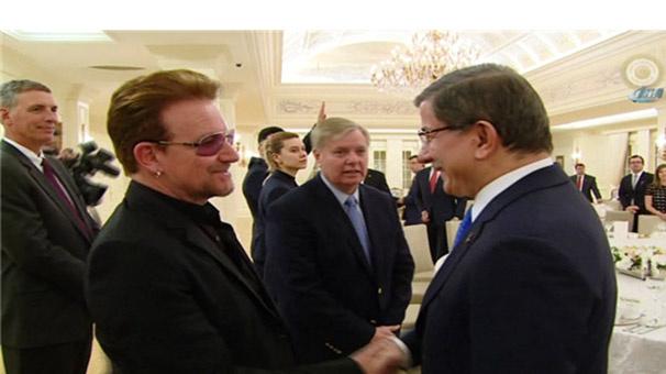 U2 solisti Bono'dan Türkiye'ye 'mülteci' övgüsü