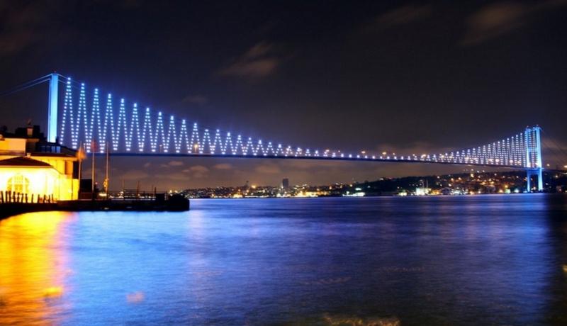 İstanbul otizm için mavilendi