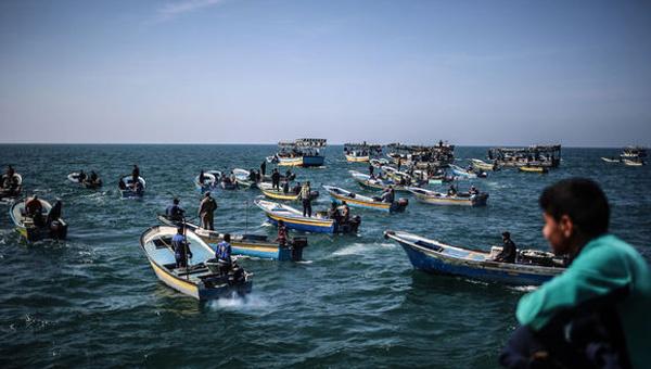 Gazze'li balıkçılardan bir ilk