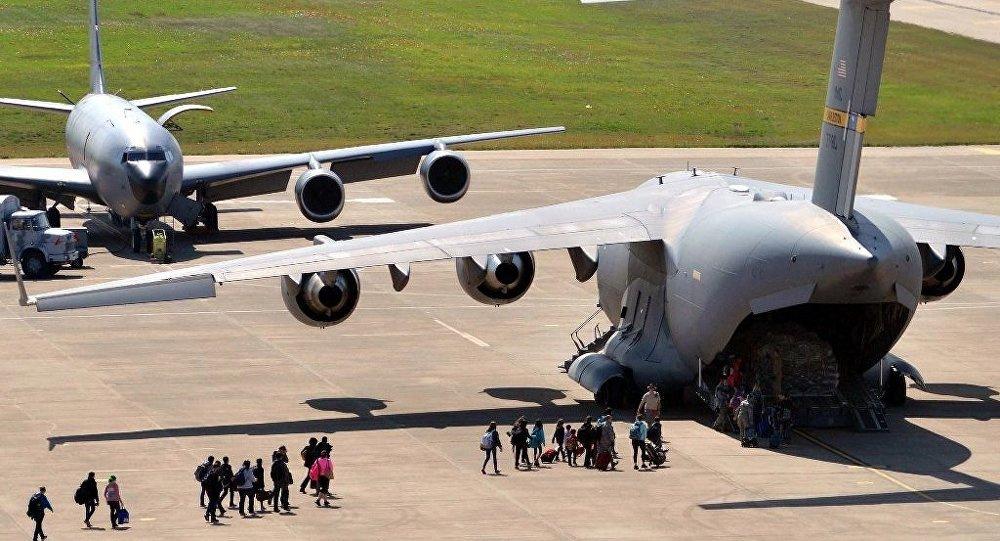 ABD'li diplomatların aileleri Türkiye'den ayrıldı