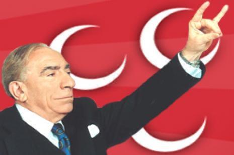 Alparslan Türkeş ölüm yıldönümünde anılıyor