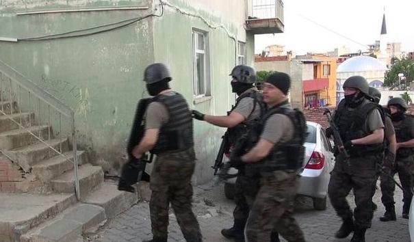 İzmir'deki IŞİD operasyonunda 8 kişi tutuklandı