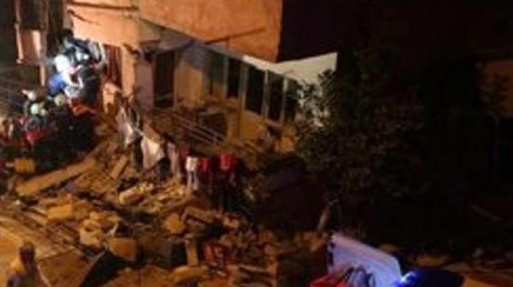 Hakkari'de ev çöktü: 4 kişi öldü