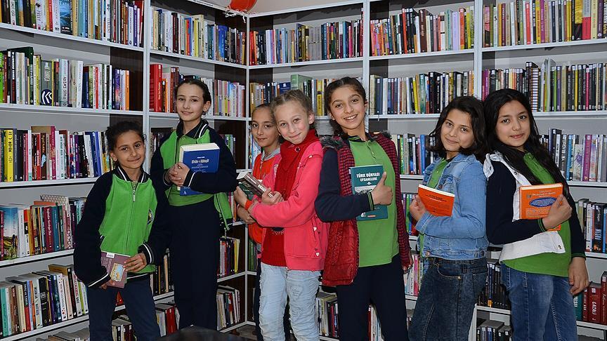 Uludere'de ilk kez bir kütüphane açıldı