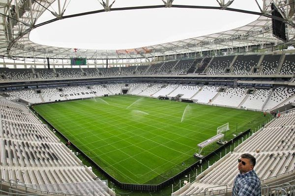 Beşiktaş stadı pazar günü açılıyor