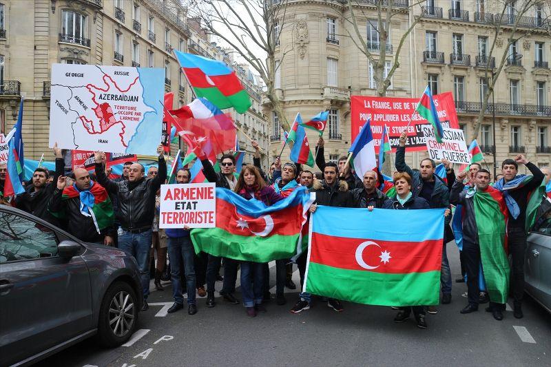Ermenistan, Paris'te protesto edildi