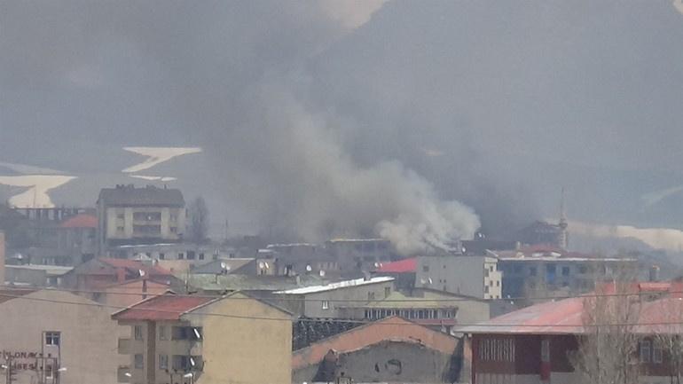Yüksekova'dan dumanlar yükseliyor