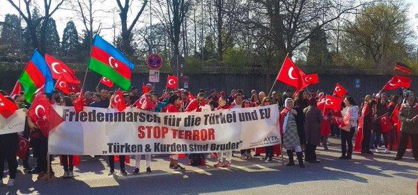 Almanya'da teröre karşıtı gösterilere PKK saldırısı