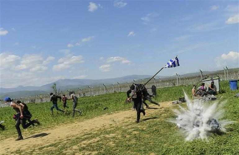 Makedonya sınırında mültecilere müdahale
