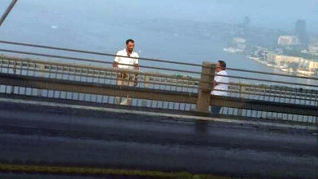FSM'de intihar girişimi; trafik kilitlendi
