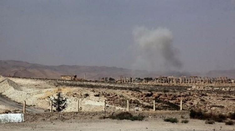 IŞİD Türkiye sınırındaki kasabayı ele geçirdi