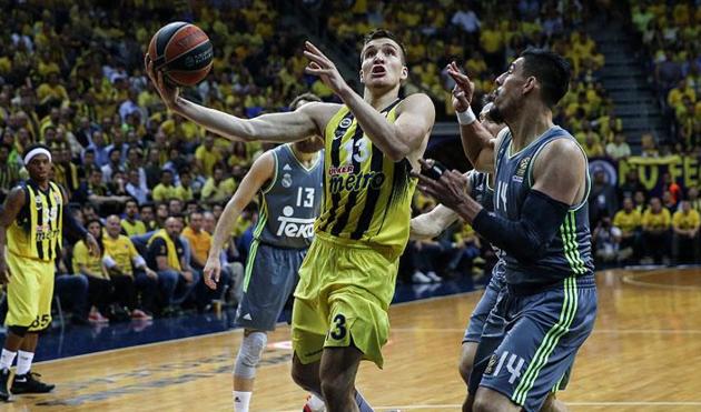 Fenerbahçe seride 2-0 öne geçti