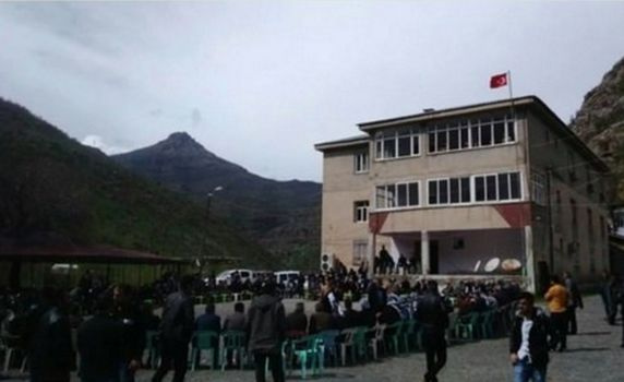 Jirki'den PKK'ya bayraklı mesaj