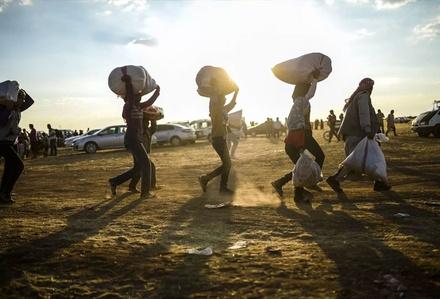 Onbinlerce Suriyeli daha yollara düştü