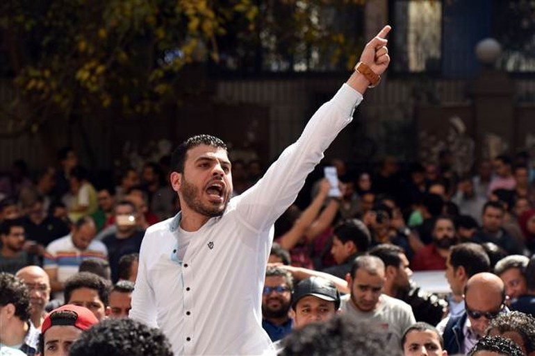 Mısır'da 'toprak namustur, satılmaz' eylemleri