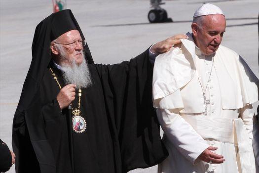 Papa ve Bartholomeos Midilli'de günah çıkarıyor