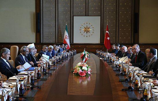 Türkiye-İran arasında onlarca anlaşma