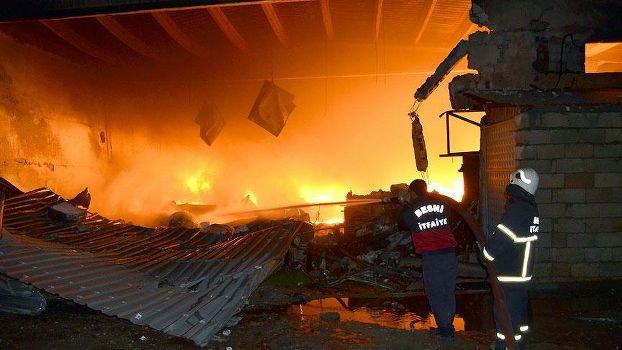 Adıyaman Besni'de fabrika yangını