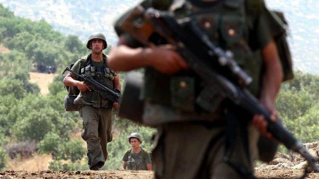 Asker ve korucudan ortak operasyon: 3 PKK'lı öldürüldü